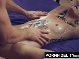 PORNFIDELITY – Yoga Freak Arya Fae Creampied Deep